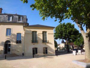 Florence Mary, artiste vésigondine, vous attend au chateau Chanorier à Croissy