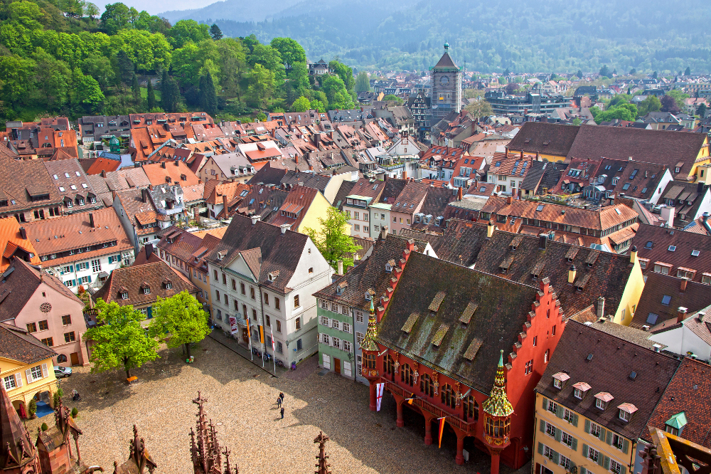 Juste de l'autre côté du Rhin, on vous présente la Forêt-Noire et Fribourg en Brisgau, sa capitale pimpante et accueillante.